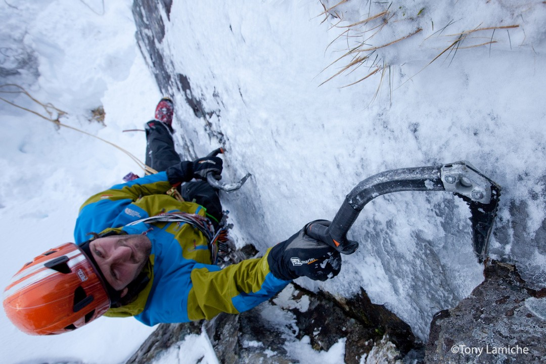 Erwan Lelann - climbing in Ben Nevis - Scottish IceTrip ©Tony Lamiche