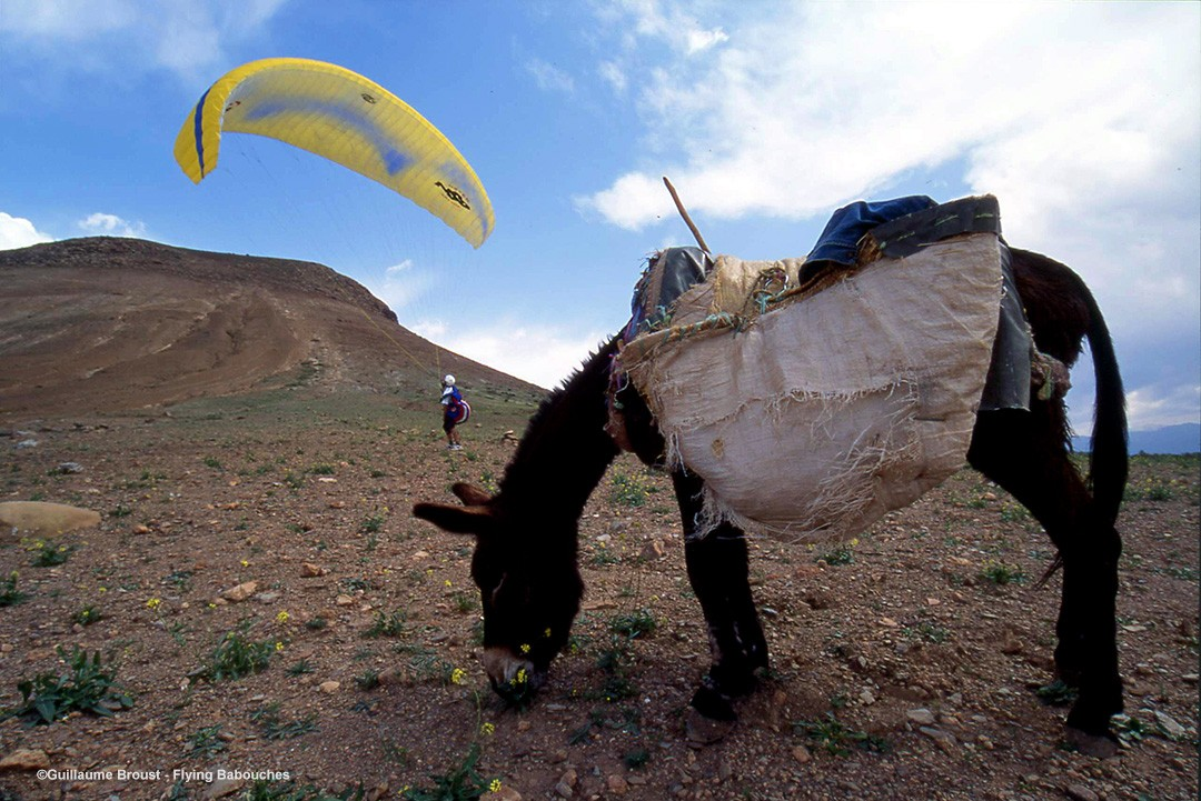 Paragliding in Morroco - Bruno Bourdat groundhandling ©Guillaume Broust