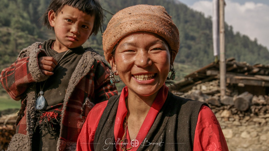 People from Nepal - Tsum Valley ©GuillaumeBroust - Les Chants de l'Eau
