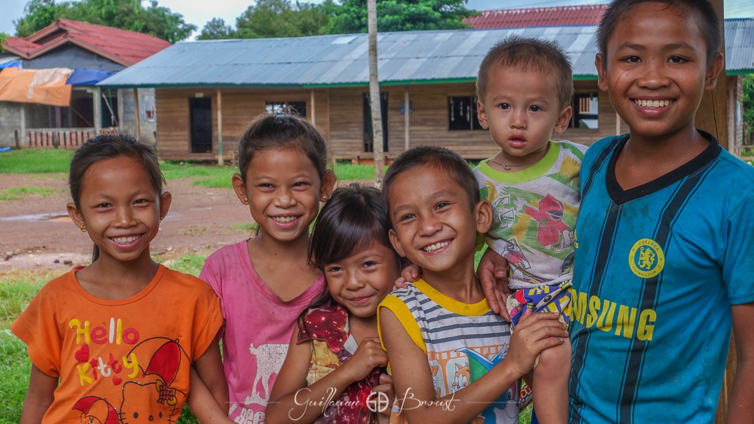 Children of Laos ©Guillaume Broust - Les Chants de l'Eau