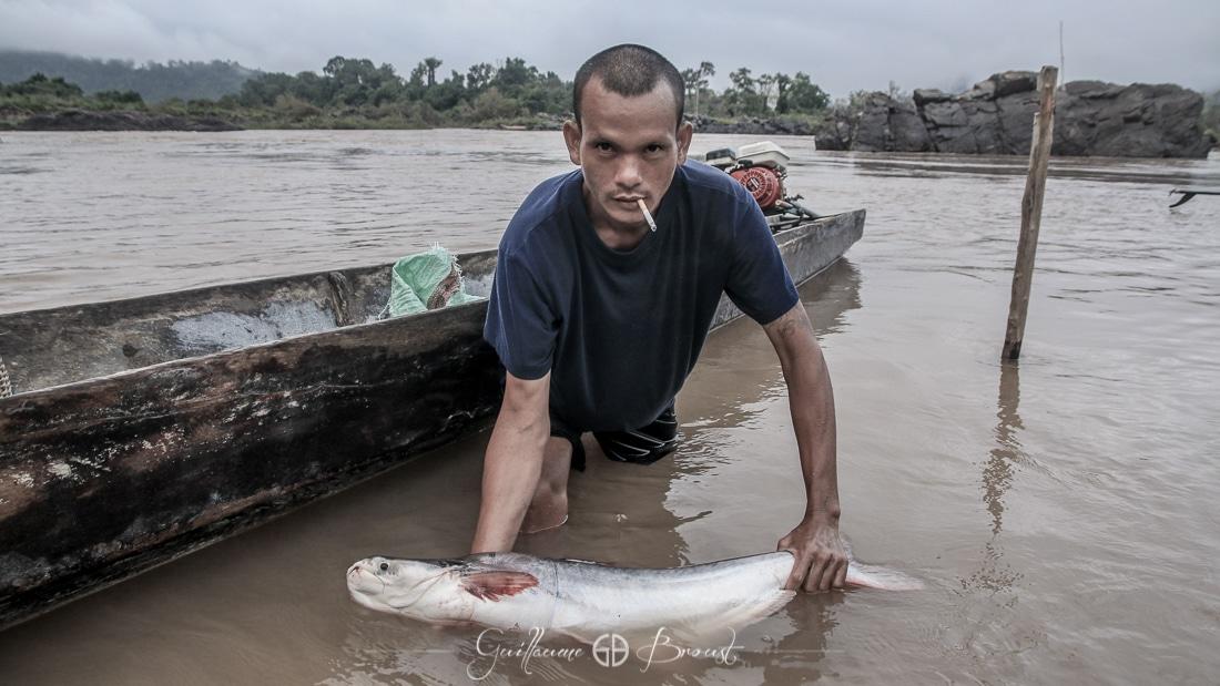 Fisherman of Cambodia ©Guillaume Broust - Les Chants de l'Eau