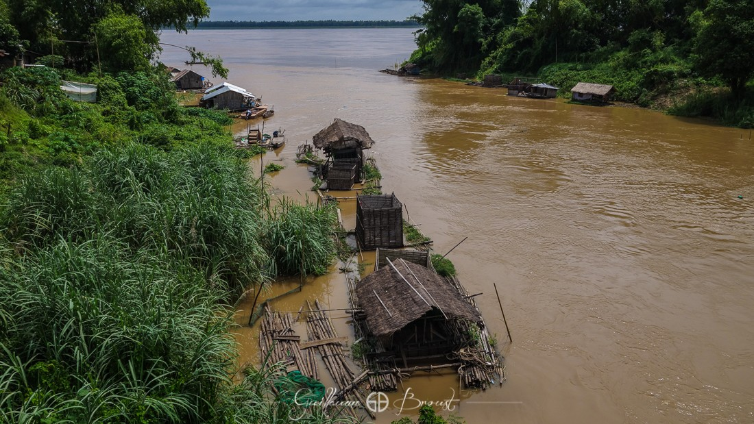 Floating Houses in Cambodia ©Guillaume Broust - Les Chants de l'Eau
