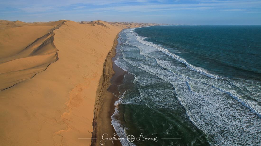 Water vs Sand in Sandwich Harbour - Namibia ©Guillaume Broust - Les Chants de l'Eau