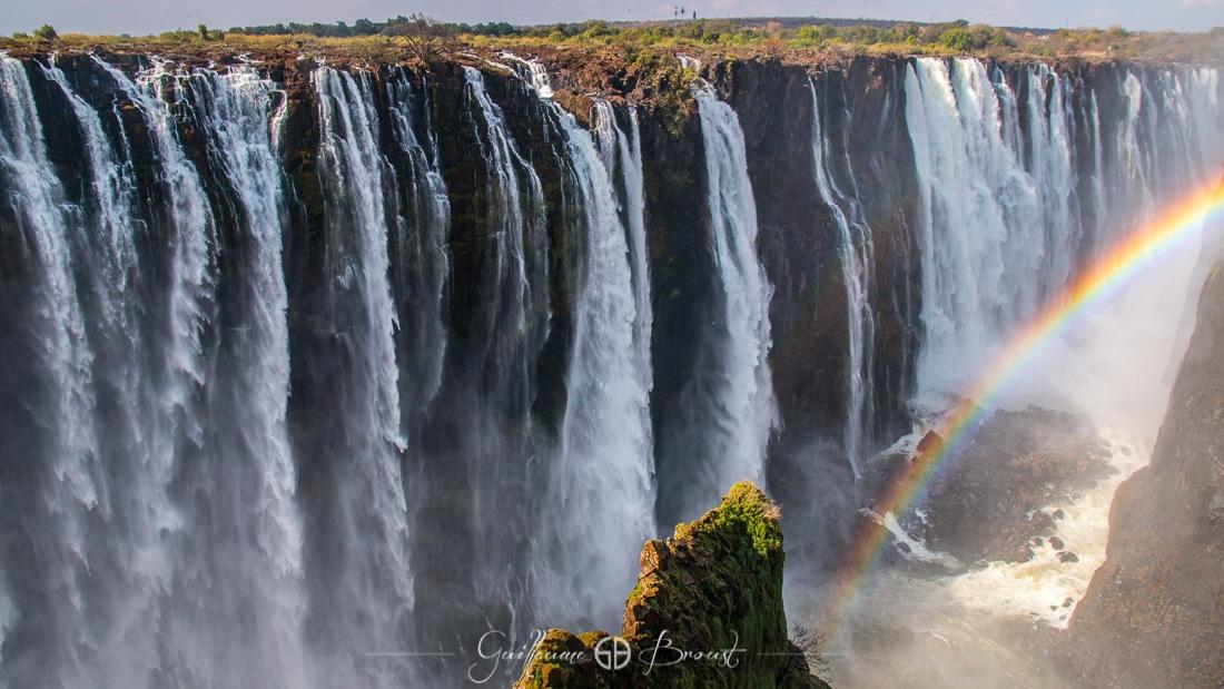 Rainbow in Victoria Falls - Zimbabwe ©Guillaume Broust - Les Chants de l'Eau