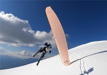 Raid Blues – paragliding & ski combo