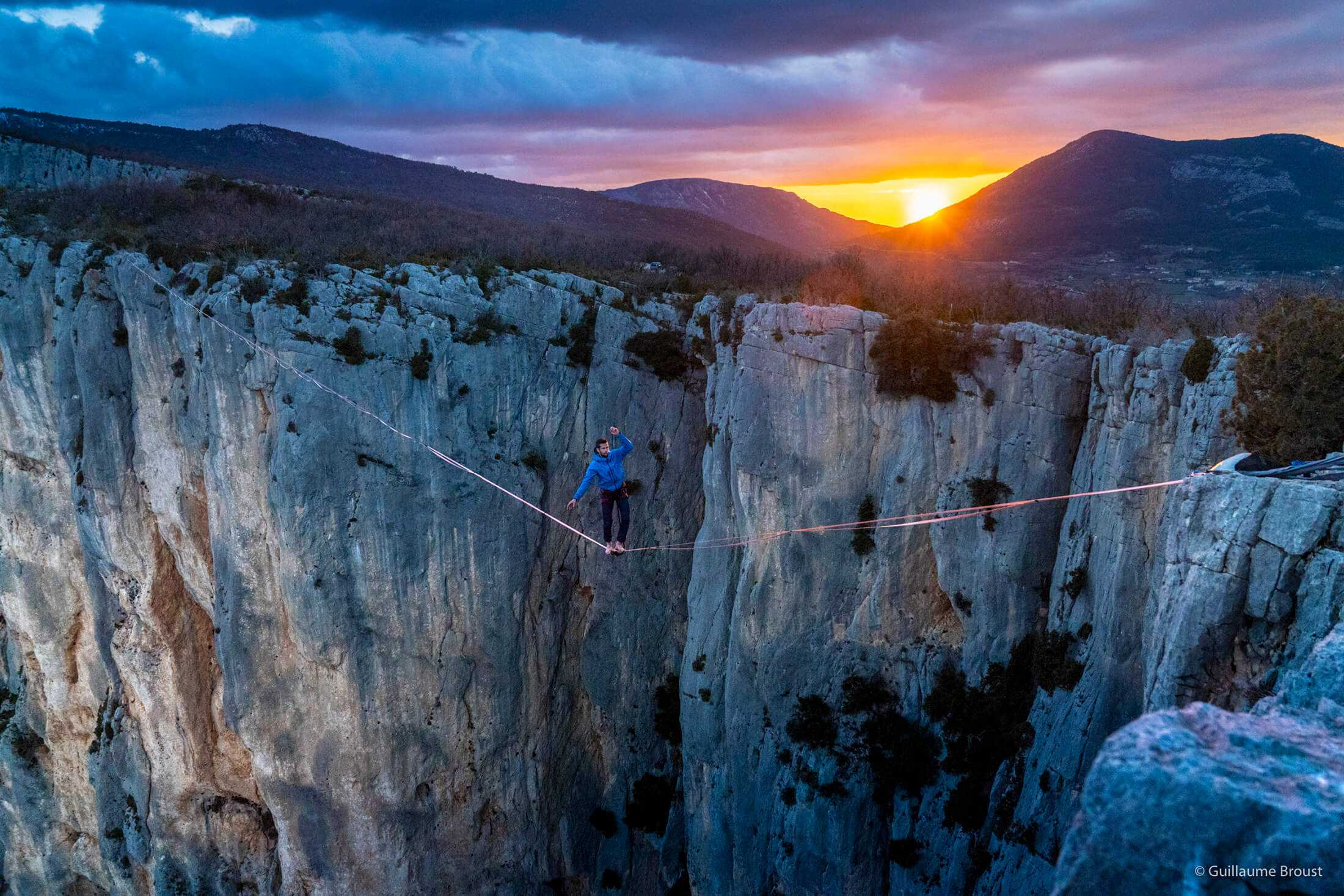 Highline with Nathan Paulin in Verdon Gorges